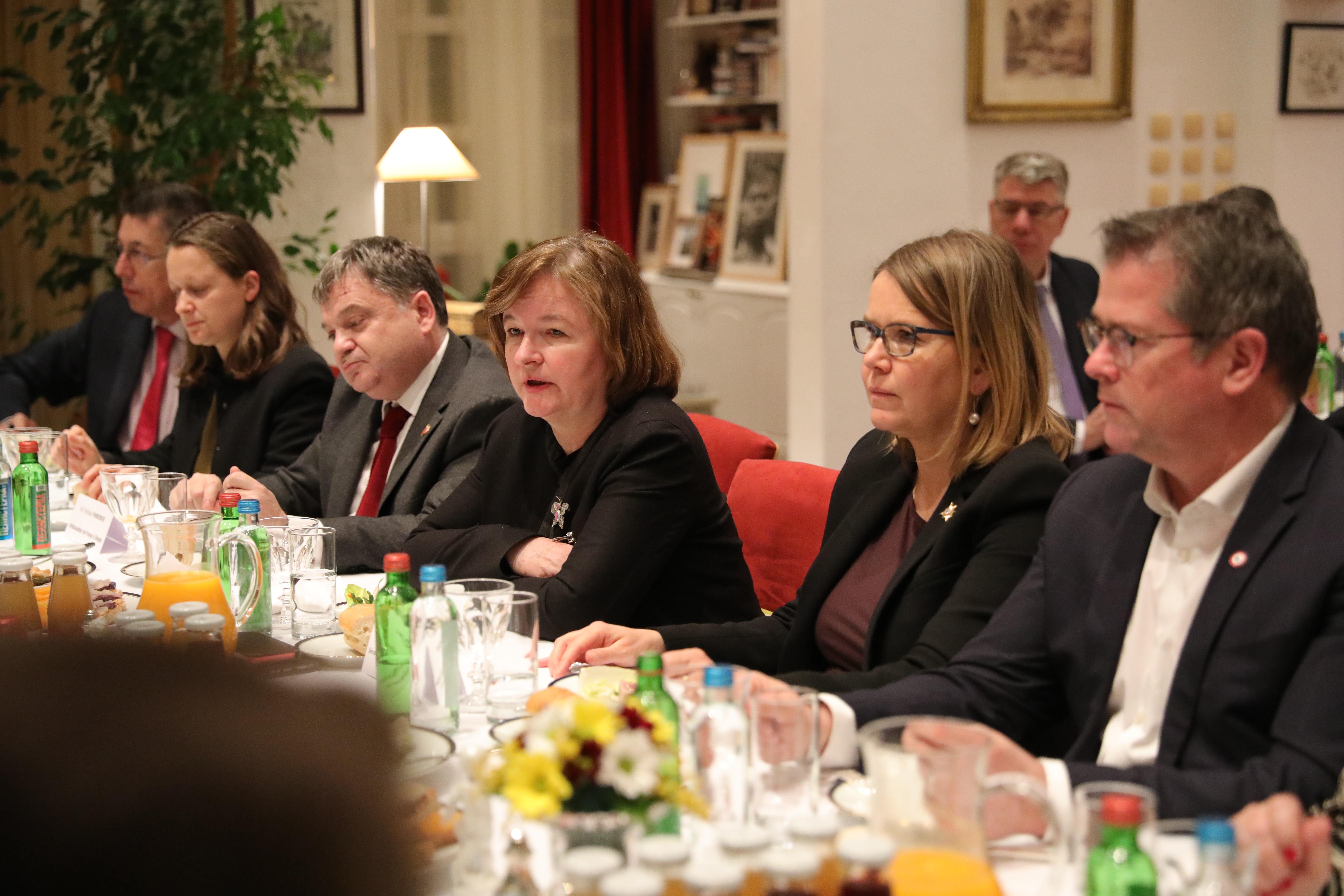 Francuska delegacija u francusku rezidenciju
